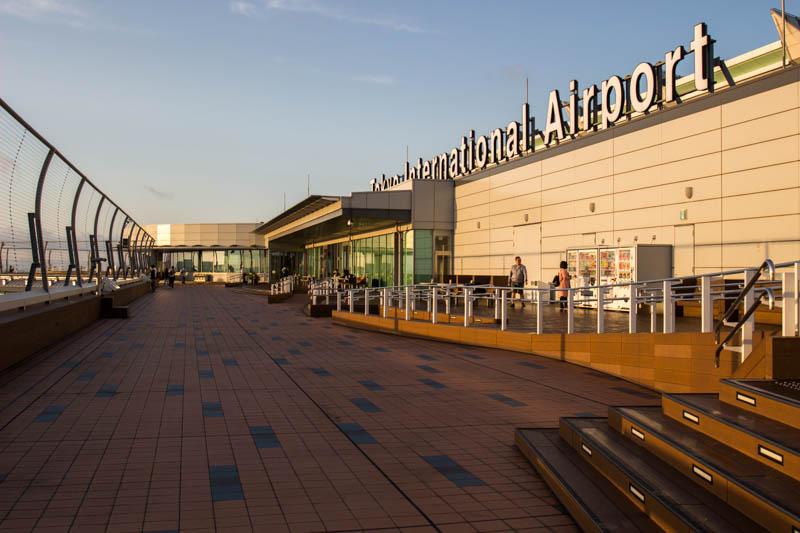 ターミナル唯一の展望カフェ